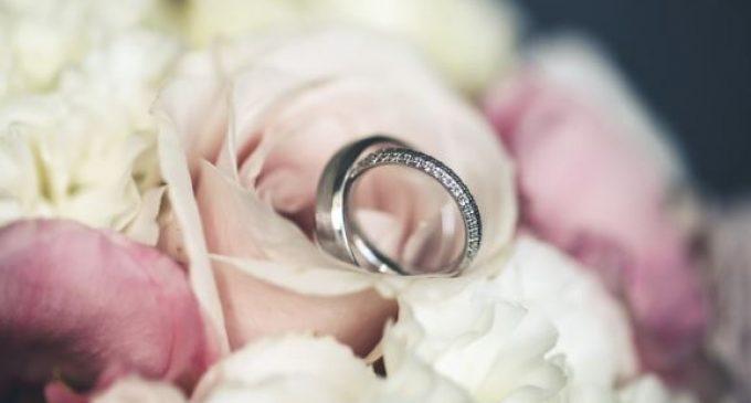 Choisir ses alliances de mariage : les étapes à suivre